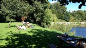 Weir Gardens picnic with deck chairs